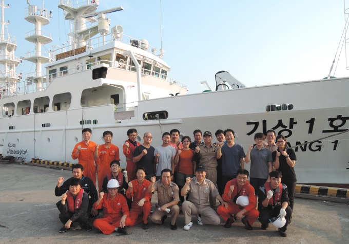TORI cooperated with Pusan National University (PNU) that several self-designed OBSs from Taiwan were deployed offshore the nuclear power stations in Korea.