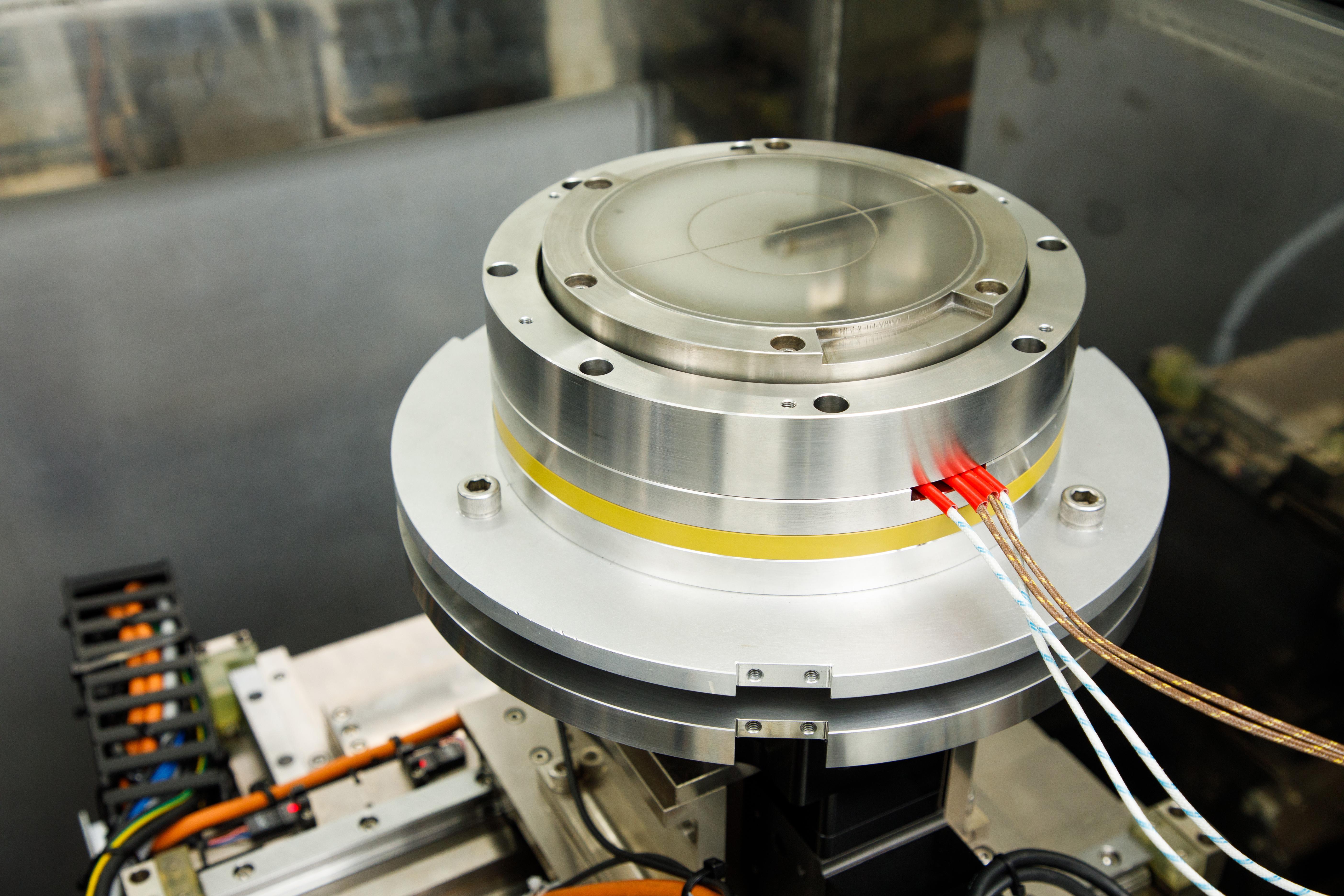 整合加熱裝置之晶圓吸盤