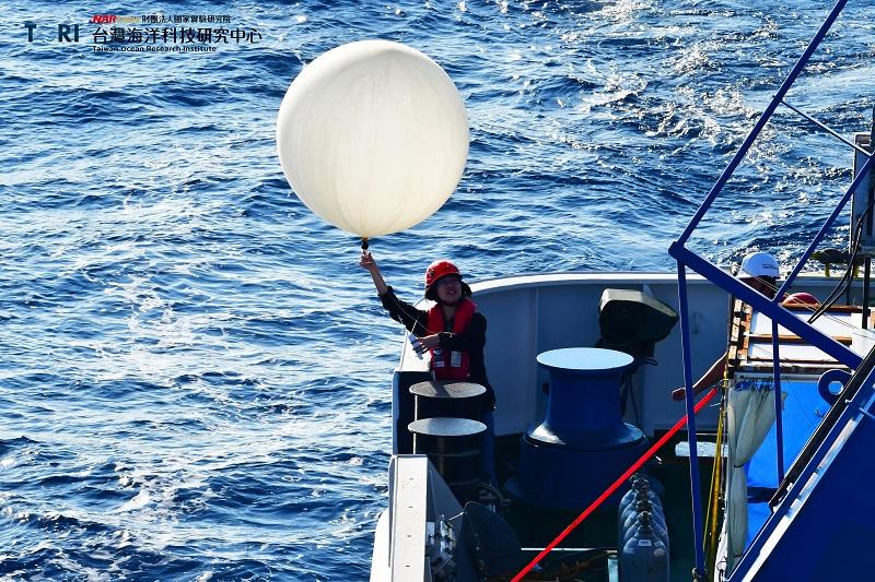 探空氣球。