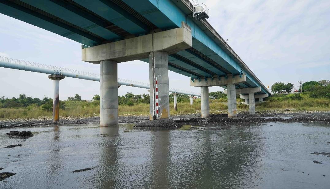 圖八、於名竹大橋系統安裝之斷橋預警系統可全年全天候監測橋梁安全。