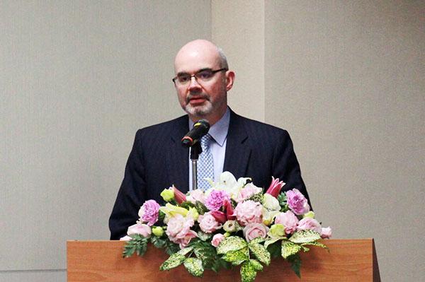 Deputy Director Raymond Greene of the American Institute in Taiwan (AIT)